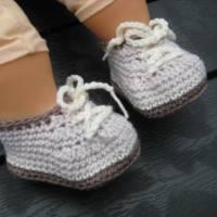 Babyschühchen Schnürschühchen gehäkelt für Neugeborene aus weicher Wolle (Merinowolle) Bild 9