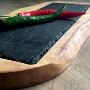 Rustikales Olivenholzbrett (L36) mit eingelassener Schieferplatte  für stilvolles Servieren Bild 3