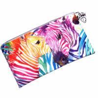 """Täschchen """"Regenbogen Zebras"""" aus Baumwolle mit Reißverschluss - Maskentasche Etui Kosmetiktasche Kulturtasche Bild 1"""
