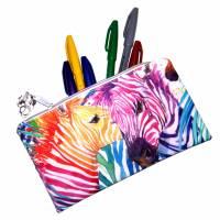 """Täschchen """"Regenbogen Zebras"""" aus Baumwolle mit Reißverschluss - Maskentasche Etui Kosmetiktasche Kulturtasche Bild 4"""