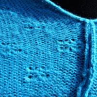 Strickponcho, Überwurf, Schulterwärmer blau Bild 8