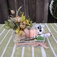 Wellness Set mit Trockenblumengesteck und Delikatesse, Geschenk Set, lachs farben Bild 1