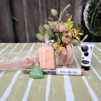 Wellness Set mit Trockenblumengesteck und Delikatesse, Geschenk Set, lachs farben Bild 3