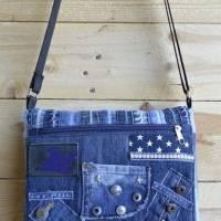 Jeans-Upcycling Messengerbag, Umhängetasche im Patchworklook Bild 1
