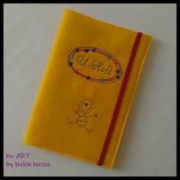 U-Heft-Hülle BABYBOY in gelb von he-ART by helen hesse Bild 3