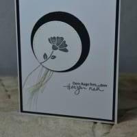 Trauerkarte mit Blüte Bild 1