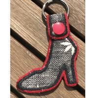 High Heels Schlüsselanhänger / Taschenbaumler auf Stoff gestickt - so süß Bild 2