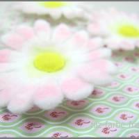 Filzblüten, gefilzt, 5 Teile, Gänseblümchen, Blumen, Bastelblüten, Streudeko, Bild 3