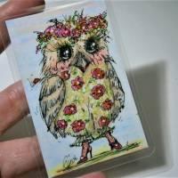 Eule im neuen Blüten Federkleid handgemalt Minibild 90 x 60 Millimeter Aquarell laminiert Geburtstagskarte Muttertag Bild 5