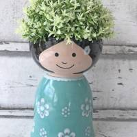 Blumenmädchen mit türkisem Kleid, Keramik handbemalt Bild 1