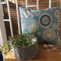 Farbenfrohes türkises Kissen aus beschichteter Baumwolle mit besonderem Mandala-Muster (ca. 45 x 42 cm) Bild 1
