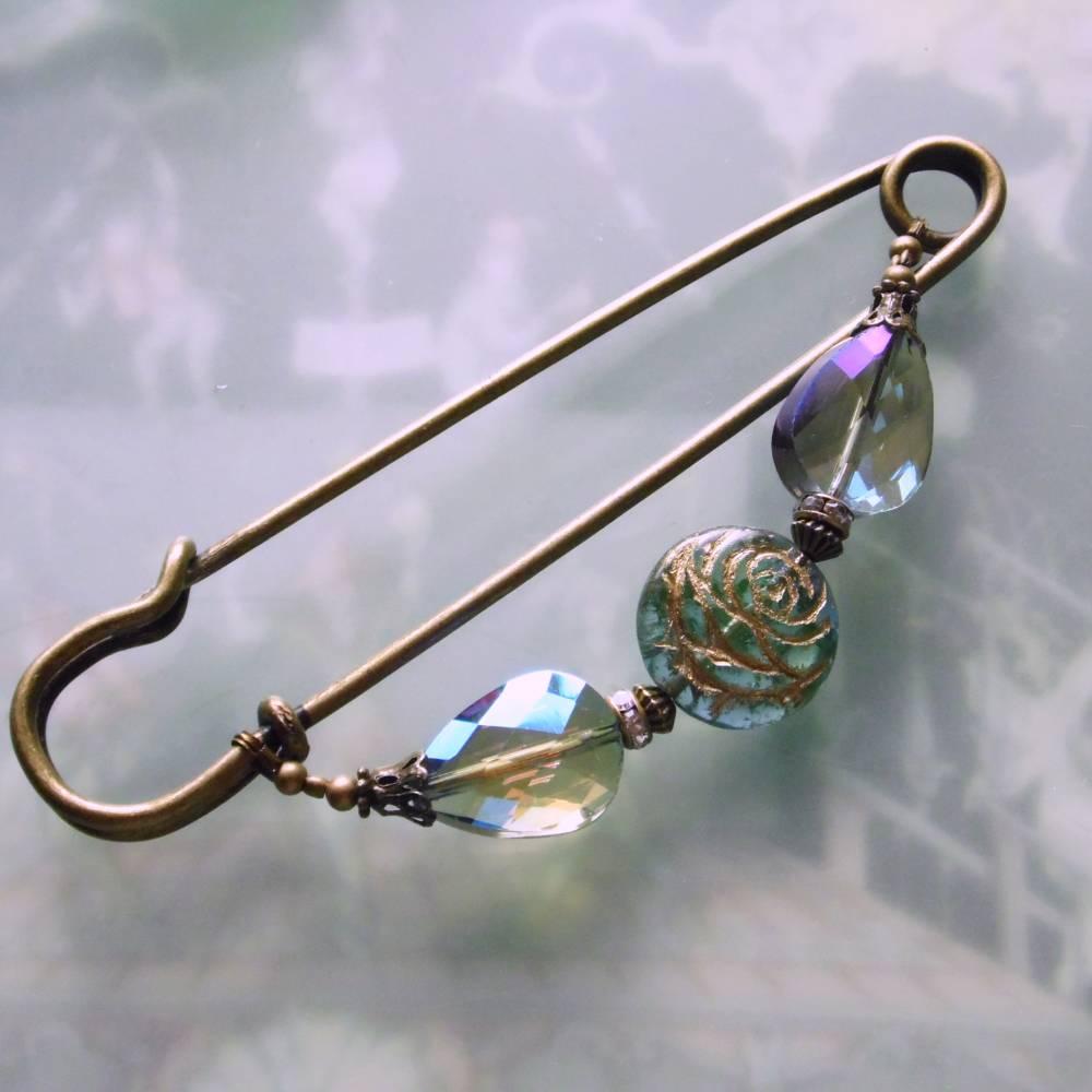 Schalnadel Rose für die Elster, 10cm bronze Schmucknadel mit böhmischen Glasperlen Bild 1