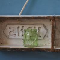 kleines Wandregal aus alter Ziegelform Upcycling Bild 3