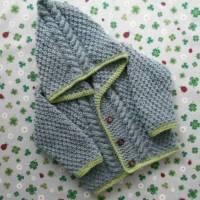 Strickjacke mit Kapuze ab Größe 50/56 bis Größe 98/104 trachtenjacke für kinder babykleidung taufkleidung geschenk zur geburt handarbeit gestrickt Bild 1