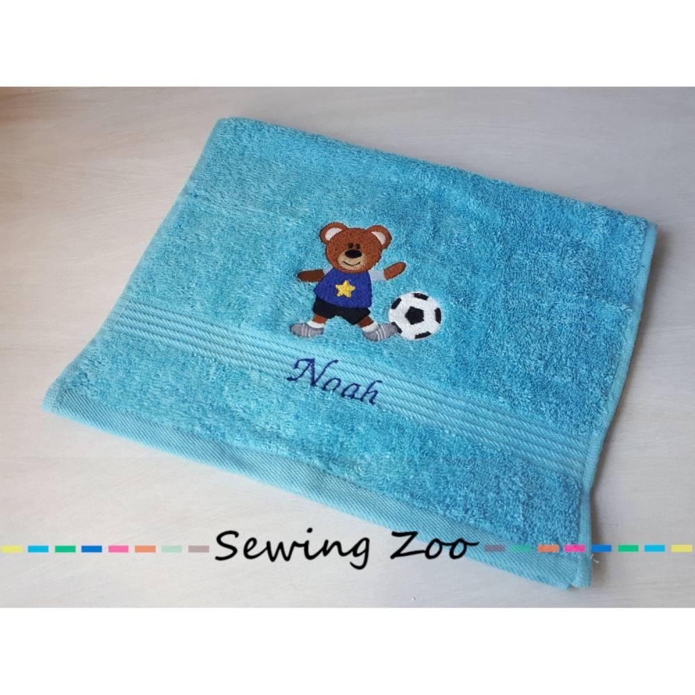 Kinderhandtuch Fußball-Bär - 30x50 cm Bild 1