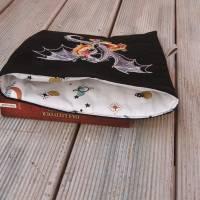Buchhülle, Buchtasche mit Stickerei, Booksleeve Drachen Bild 8