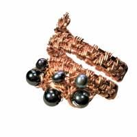 Ring handgewebt mit Keshi Perlen und Hämatit grau metallic in Kupfer wirework Daumenring Bild 1