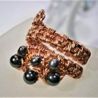 Ring handgewebt mit Keshi Perlen und Hämatit grau metallic in Kupfer wirework Daumenring Bild 6
