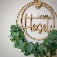 Personalisierter Türkranz / Flowerhoop mit Familiennamen, verschiedene Farbkombinationen, Eukalyptus, Trockenblumen Bild 3