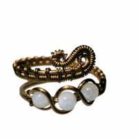 Ring handgemacht mit Mondstein im Spiralring Paisley Kupfer dunkel bronze wirework Daumenring Bild 3