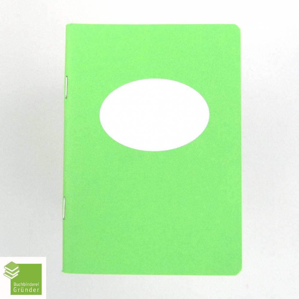 Notizheft apfel-grün, Titelschild zum Selbstbeschriften, DIN A6, handgefertigt, Recyclingpapier  Bild 1