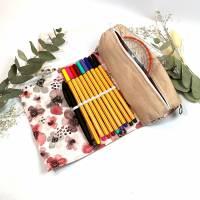 personalisiertes Federmäppchen rosa Blumen Schule, Stiftemäppchen 100 Stifte, Stifteetui Gummiband für Mädchen, Geschenk Bild 1