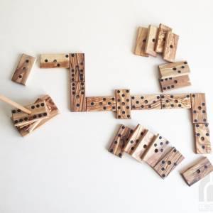 Domino Spiel inklusive 28 Dominosteine und Halterung in XL Ausführung, Natur Spielzeug Geschenkidee, handgefertigt aus O Bild 8