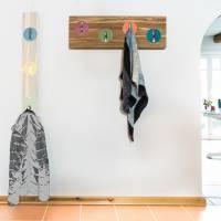 Handarbeit | Garderobe aus Bambus massiv | Klapphaken Edelstahlfinish | 82 cm, verdeckte Aufhängung. Bild 1