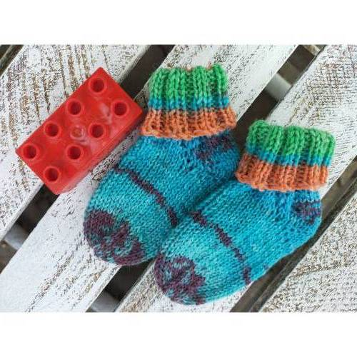Handgestrickte Babysocken / Söckchen *Gewitterhimmel* Fußlänge ca.10,5cm, Gr. 17