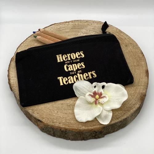 Federtasche, ideal als Geschenk für die Lehrerin oder den Lehrer, verschiedene Farben