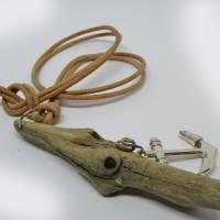 Nachhaltige Holzkette aus Treibholz mit einem Anker Bild 6