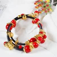 Memory Wire Edelsteinarmband für Damen, rot schwarz golden Korall Achat Bild 4