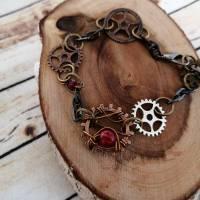 Armband im Steampunk Look mit Zahnrädern und Roten Perlen/ Handgemachtes Unikat  Bild 1