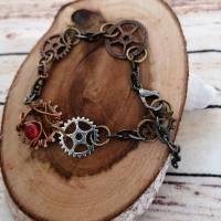 Armband im Steampunk Look mit Zahnrädern und Roten Perlen/ Handgemachtes Unikat  Bild 3