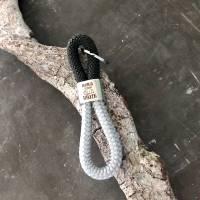 Schlüsselanhänger aus Segelseil mit silberfarbenem Schlüsselring Bild 2