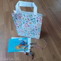 Rechenkette mit Holz- und Kunststoff- Perlen Gelb Orange Rehbraun Rosa Motivperle Glückwunschkarte und Geschenktasche Bild 3