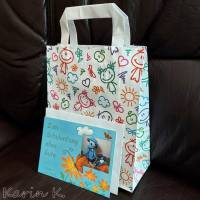 Rechenkette mit Holz- und Kunststoff- Perlen Gelb Orange Rehbraun Rosa Motivperle Glückwunschkarte und Geschenktasche Bild 6