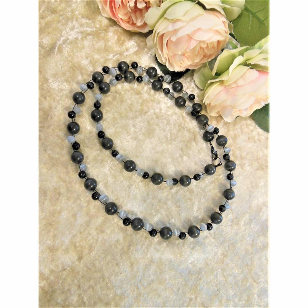 Lange Kette aus hell- und dunkelgrauen Cat Eye Perlen Bild 1