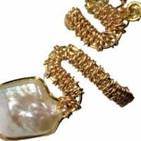 Ring handgefertigt mit Biwaperle weiß Spiralring boho Schlangenring verstellbar Perlenring  Bild 1