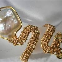Ring handgefertigt mit Biwaperle weiß Spiralring boho Schlangenring verstellbar Perlenring  Bild 6