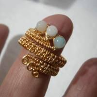 Ring handgemacht Amazonit türkis mint pastell Spiralring wirework goldfarben boho Daumenring Bild 3