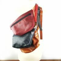 Gürteltasche, Crossbodybag aus cognacfarbenem, leicht gemusterten Leder mit rosegoldenem Reißverschluß Bild 8