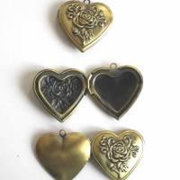 Medaillon Anhänger Herz 30 x 29 mm zum Öffnen Kettenanhänger Metall goldfarben Rose Bild 3