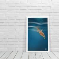 personalisierbarer Kunstdruck Baby Schildkröte Unterwasserwelt DIN A4 Bild 2