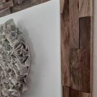 Handgefertigter Altholzrahmen mit großem Herz aus Buchseiten auf Leinwand Bild 4