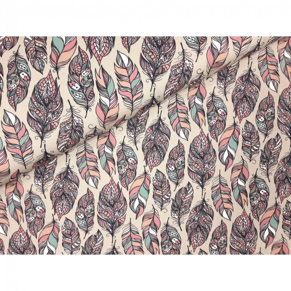 Jersey Stoff mit Federn und rosa und grünen Akzenten Bild 1