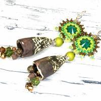 grüne braune keramikblüten ohrringe, lässige boho hippie ohrhänger, geschenk,  böhmische glasperlen  Bild 1