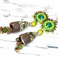 grüne braune keramikblüten ohrringe, lässige boho hippie ohrhänger, geschenk,  böhmische glasperlen  Bild 5