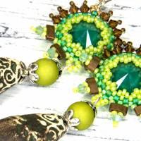 grüne braune keramikblüten ohrringe, lässige boho hippie ohrhänger, geschenk,  böhmische glasperlen  Bild 7