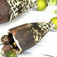 grüne braune keramikblüten ohrringe, lässige boho hippie ohrhänger, geschenk,  böhmische glasperlen  Bild 8
